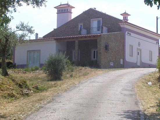 Ave Casta house